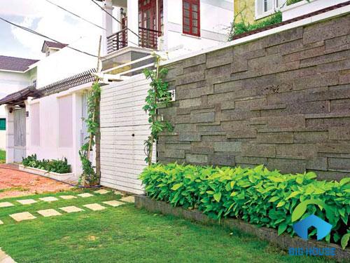gạch ốp tường sân vườn đẹp