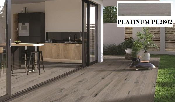 Khu vực hiên nhà được trang trí bằng mẫu gạch lát nền giả gỗ màu xám nâu Viglacera PL2802