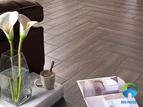 Cách lát sàn gạch giả gỗ kiểu xương cá
