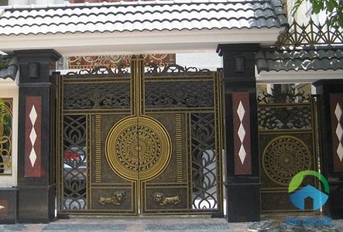 gạch giả đá ốp cổng màu đen
