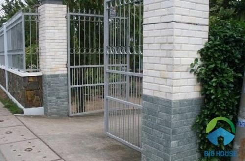 gạch thẻ giả đá ốp cổng