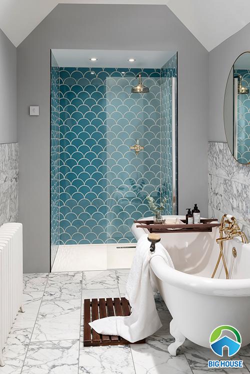 Gạch vảy cá màu xanh ngọc ốp tường nhà tắm