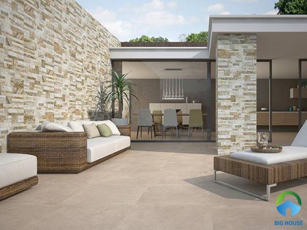 Mẫu gạch ốp mặt tiền nhà tông màu sáng giúp ngôi nhà thêm ấn tượng