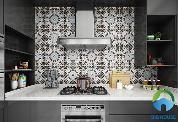 Gạch bông họa tiết xưa tạo điểm nhấn trong căn bếp hiện đại