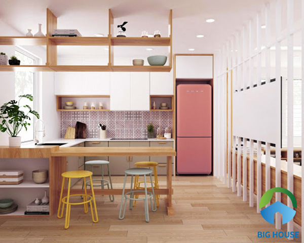 Gạch bông họa tiết đơn giản đồng tông với chiếc tủ lạnh hồng xinh tạo không gian thơ mộng