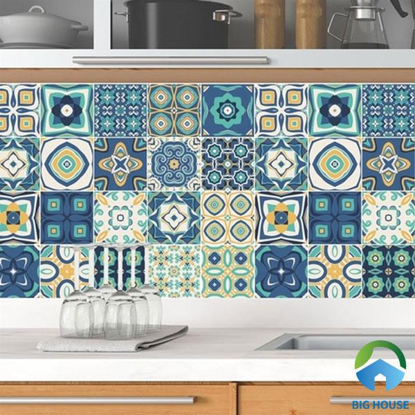 Thêm mẫu gạch bông nhiều họa tiết đặc sắc mang lại vẻ đẹp sống động cho không gian bếp