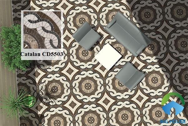 Tiếp đến là gạch Catalan CD5503 50x50 với tone nâu chủ đạo. Các họa tiết đặc biệt trên gạch mang đến vẻ đẹp độc đáo cho không gian. Gạch tối màu thích hợp sử dụng cho các khu vực sân dễ bám bụi bẩn